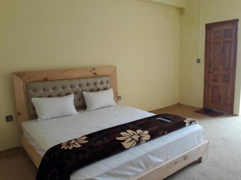 Tourist Inn Hotels Shogran-rooms