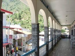 miandam-guest-house-balcony