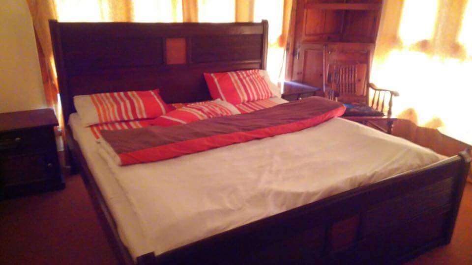 Hotel-State-Continental-kalam-Swat-Master-bed