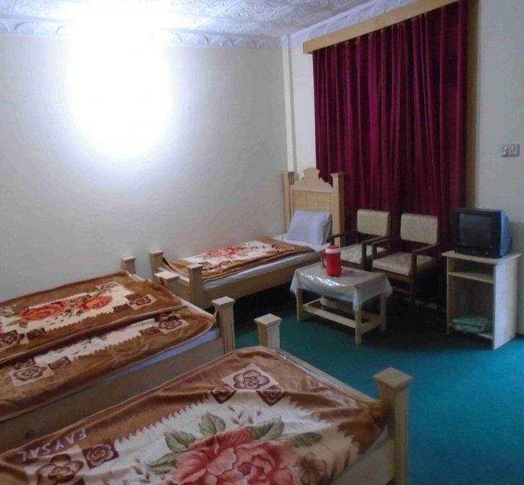 Green-Land-Hotel-&-Restaurant-Kalam-Swat-room