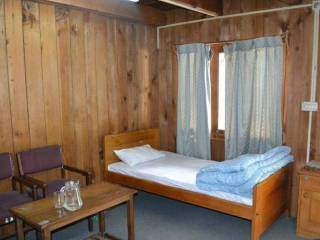 dreamland-guest-house-athmuqam-neelum-valley-rooms