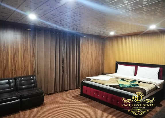 State-Continental-Guest-House-Kel-Master-bed
