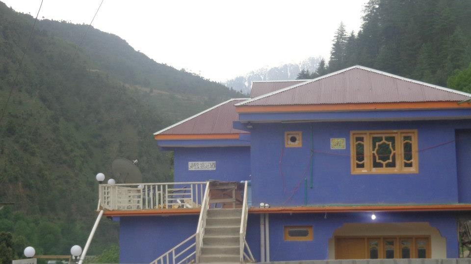 Sweet-dream-guest-house-kutton-neelum-valley-outerView