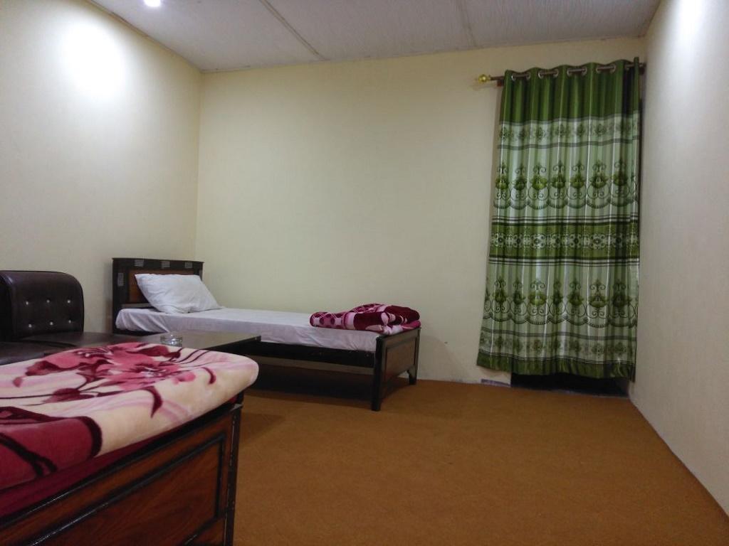 Caprafal-Hotel-Skardu-Twin-Bed-Room