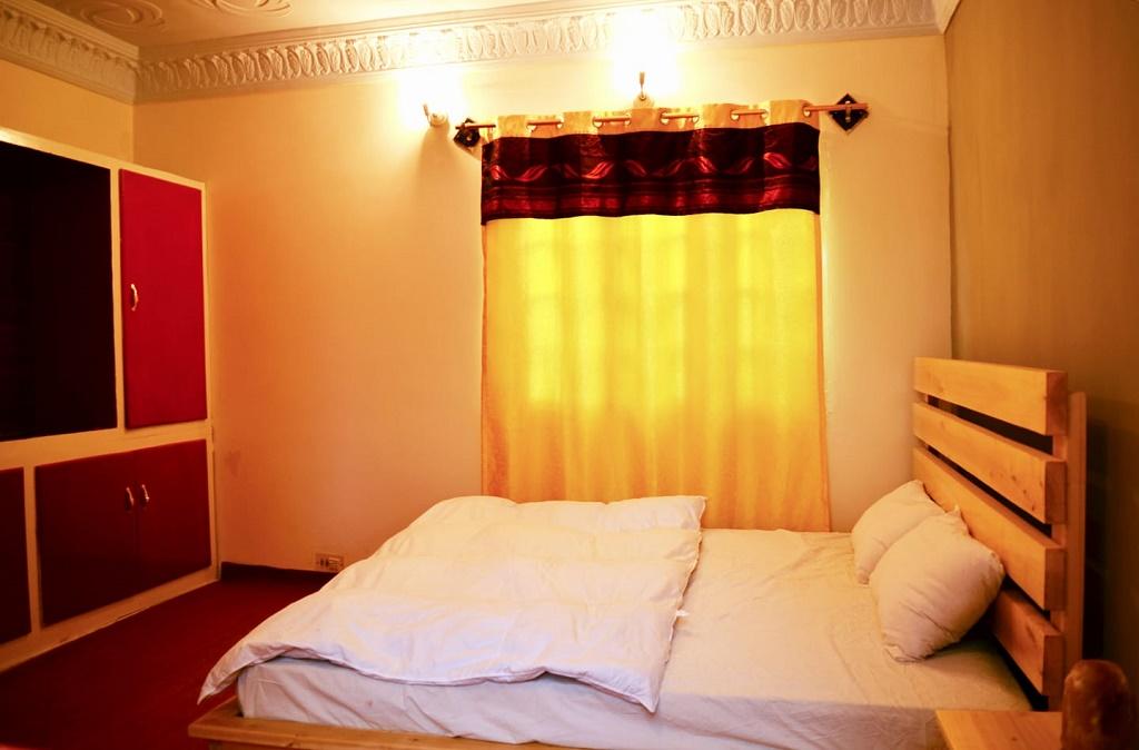 Skardu-Villa-Skardu-Villas-Master-Bed-Room