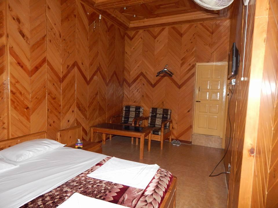 Hotel-Snowland-Palace-Skardu-master-bed