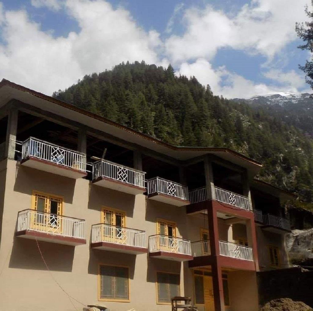 Shangrila-Sharda-Resort-Neelum-Valley