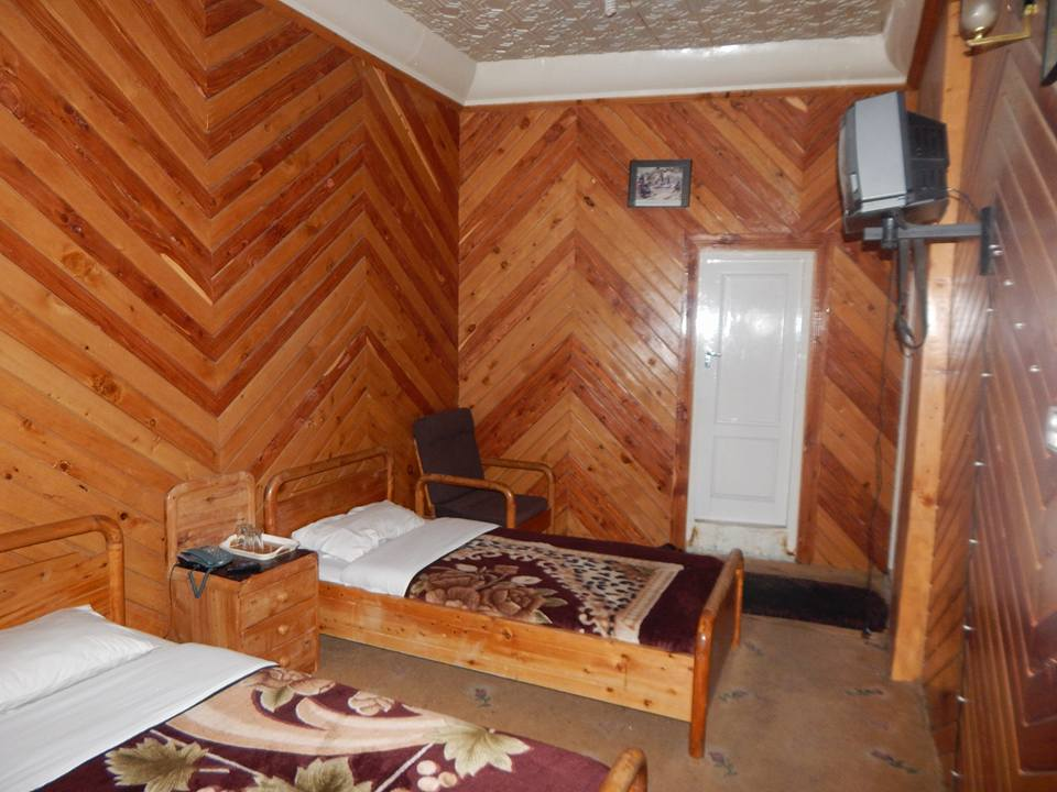 Hotel-Snowland-Palace-Skardu-Twin-Bed-Room