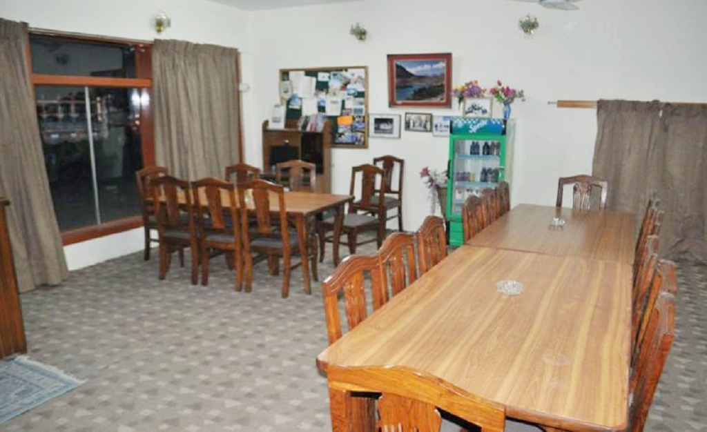 indus-motel-dining