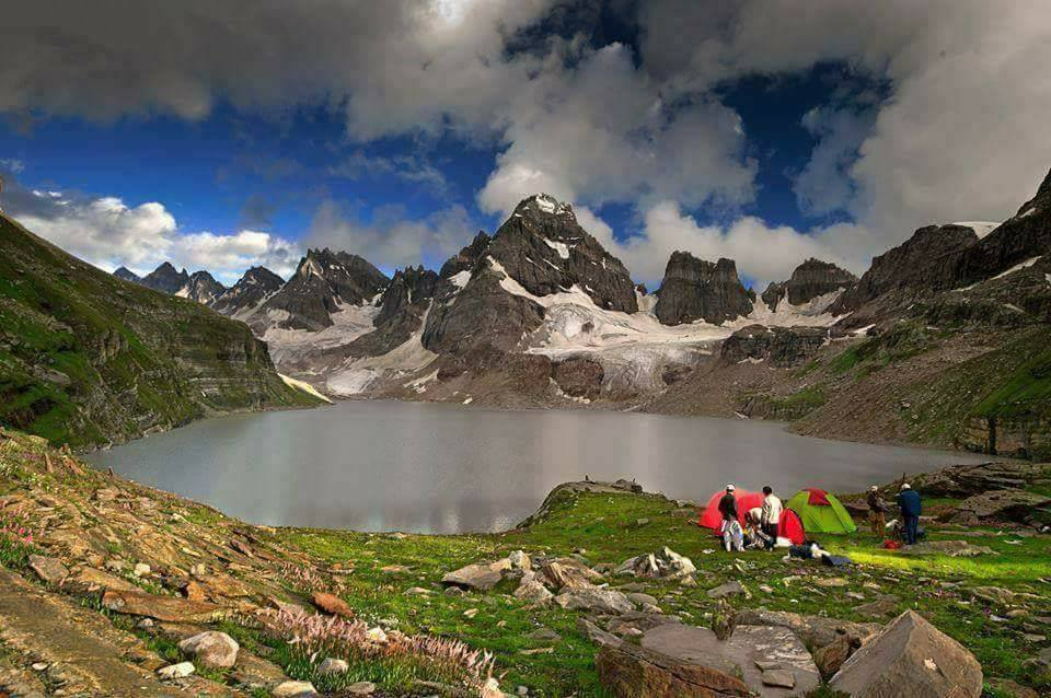 Chitta-Katha-Lake-Shounter-valley-Neelum-Valley-Azad-Kashmir
