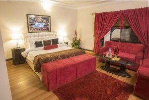 Days-Inn-Murree-deluxe-room