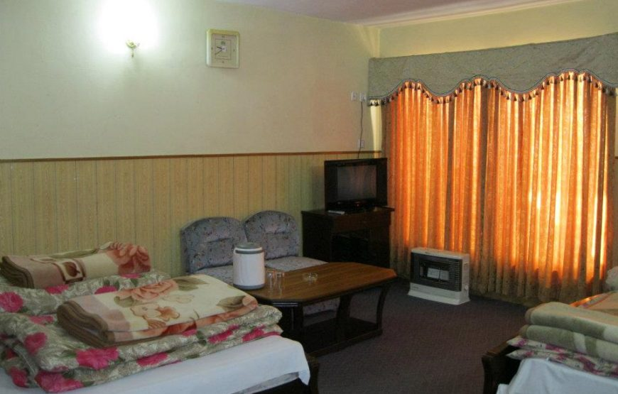 Mehran-Hotel-mall-road-murree-booking-room-4-bed