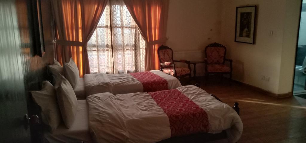 Punjab-Huts-Sweet-homes-twin-bed