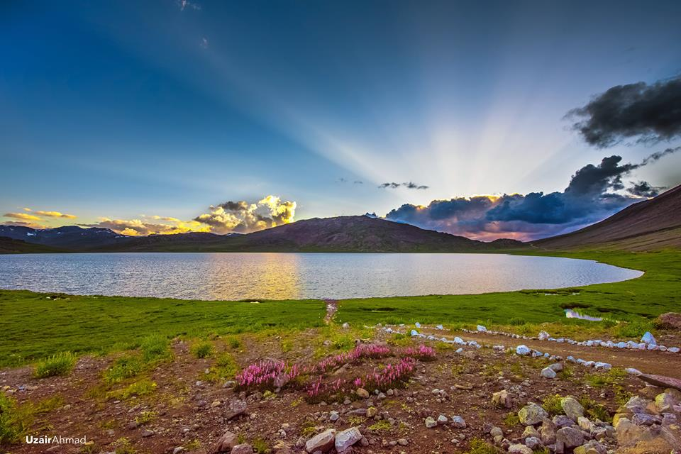 Sheosar-Lake-Deosai-National-Park-Gilgit-Baltistan-Pakistan-