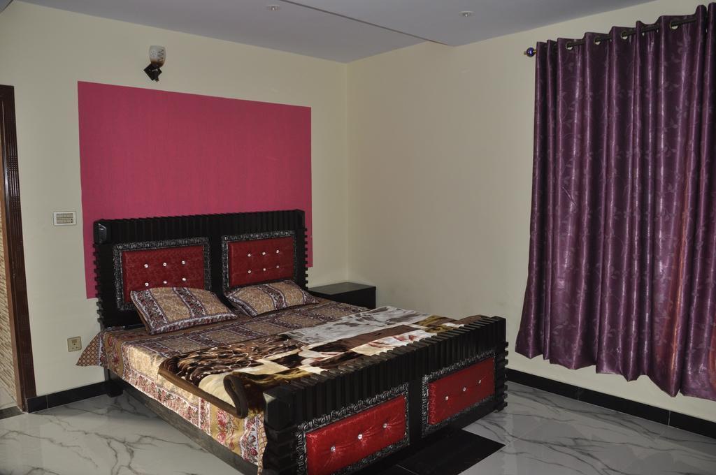 ayub-residence-bhurban-bedroom