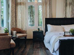 lemon-lodges-Deluxe-room-pictures