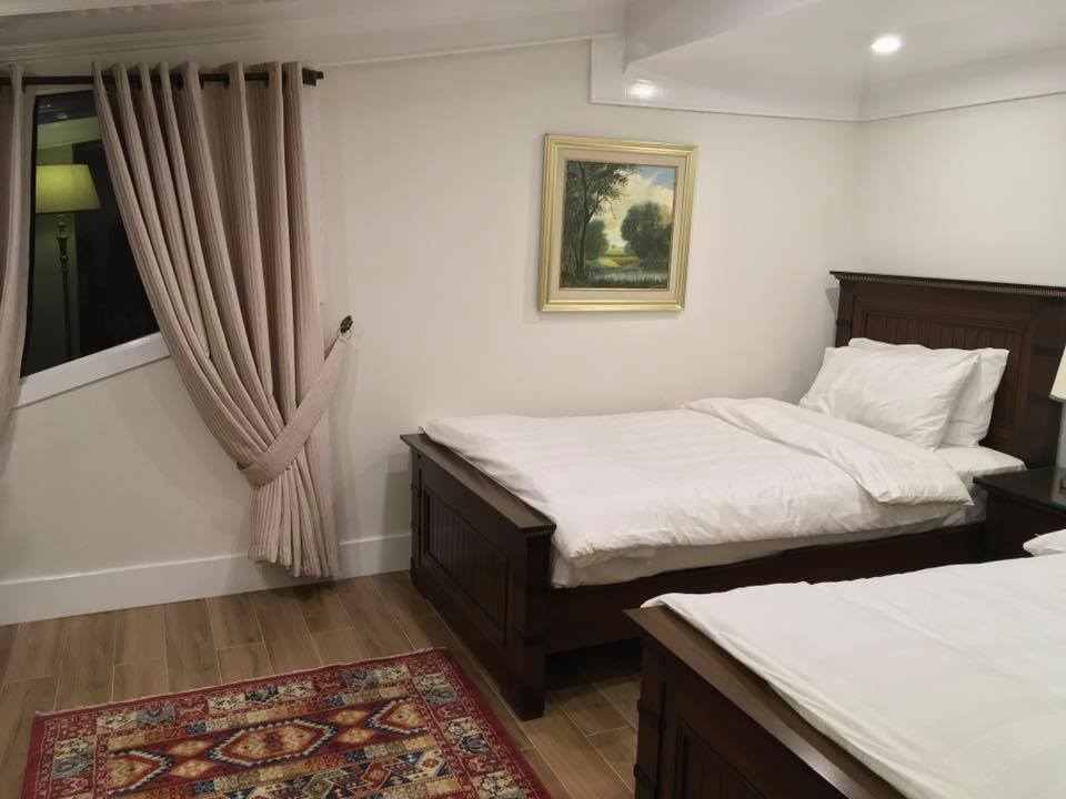 lockwood-hotel-murree-twin-bed