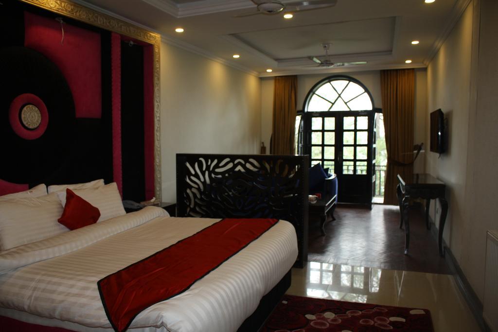 shangrila-resort-murree-double-bed