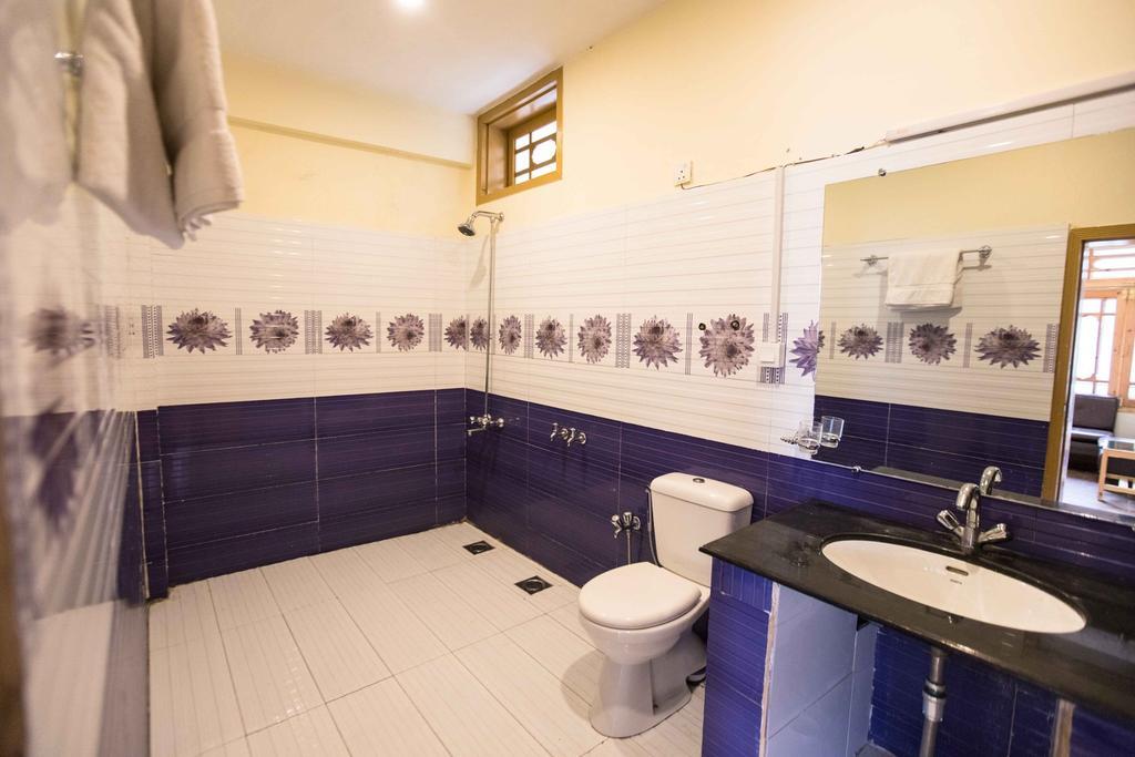 Karakorum View Hotel Hunza Bathroom Pictures